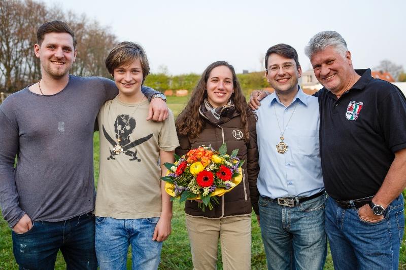Von Links Nach Rechts: Fabian Nikolaus (Kompaniejungkönig 2016), Finn Semmler (Kompanieschülerkönig 2017), Franziska Eufe (Kompaniekönigin 2017), Christian Schneider (Kompaniekönig 2017) Und Rüdiger Ulrich (Kompaniekönig 2016).