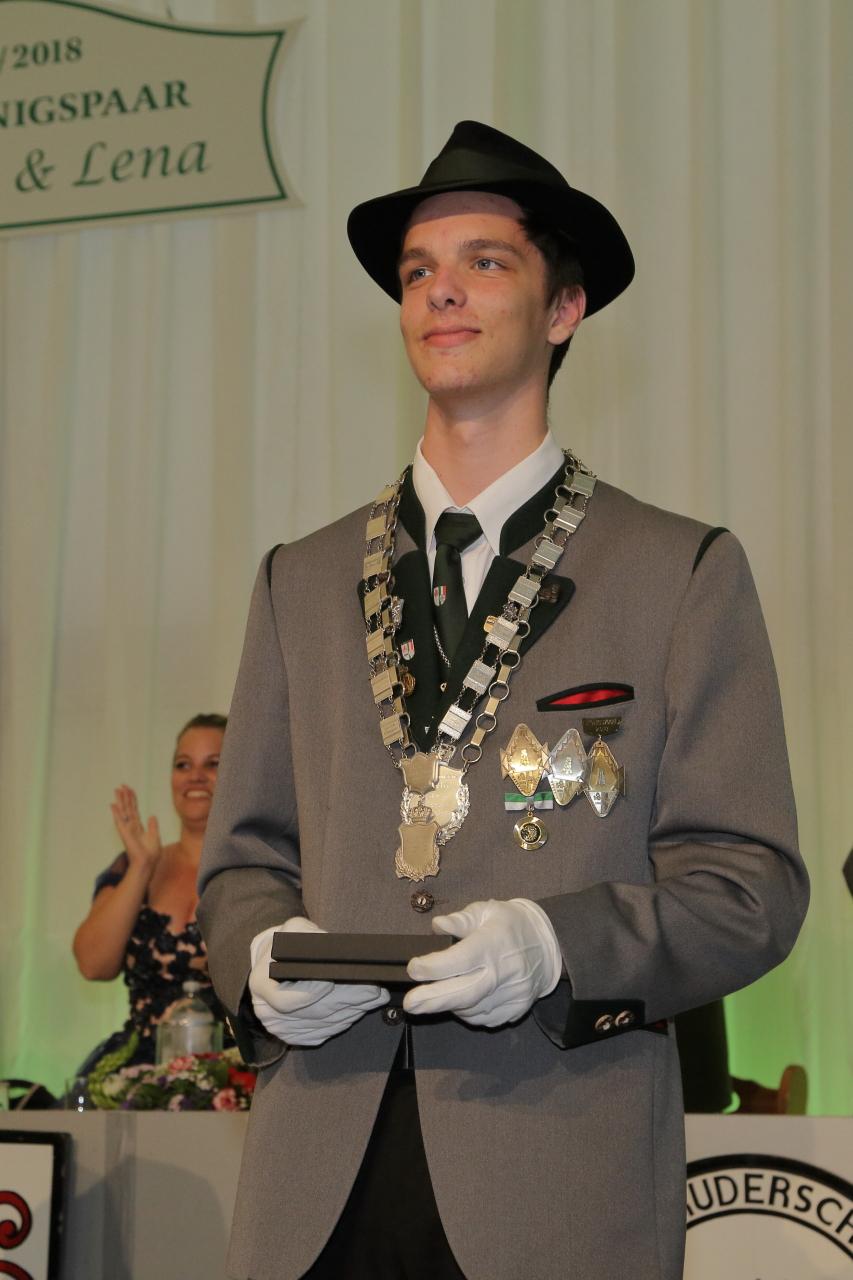 Herzlichen Glückwunsch! Emanuel Hoffmann Ist Neuer Schülerkönig Der Bruderschaft!